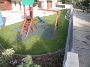 trawnik i plac zabaw